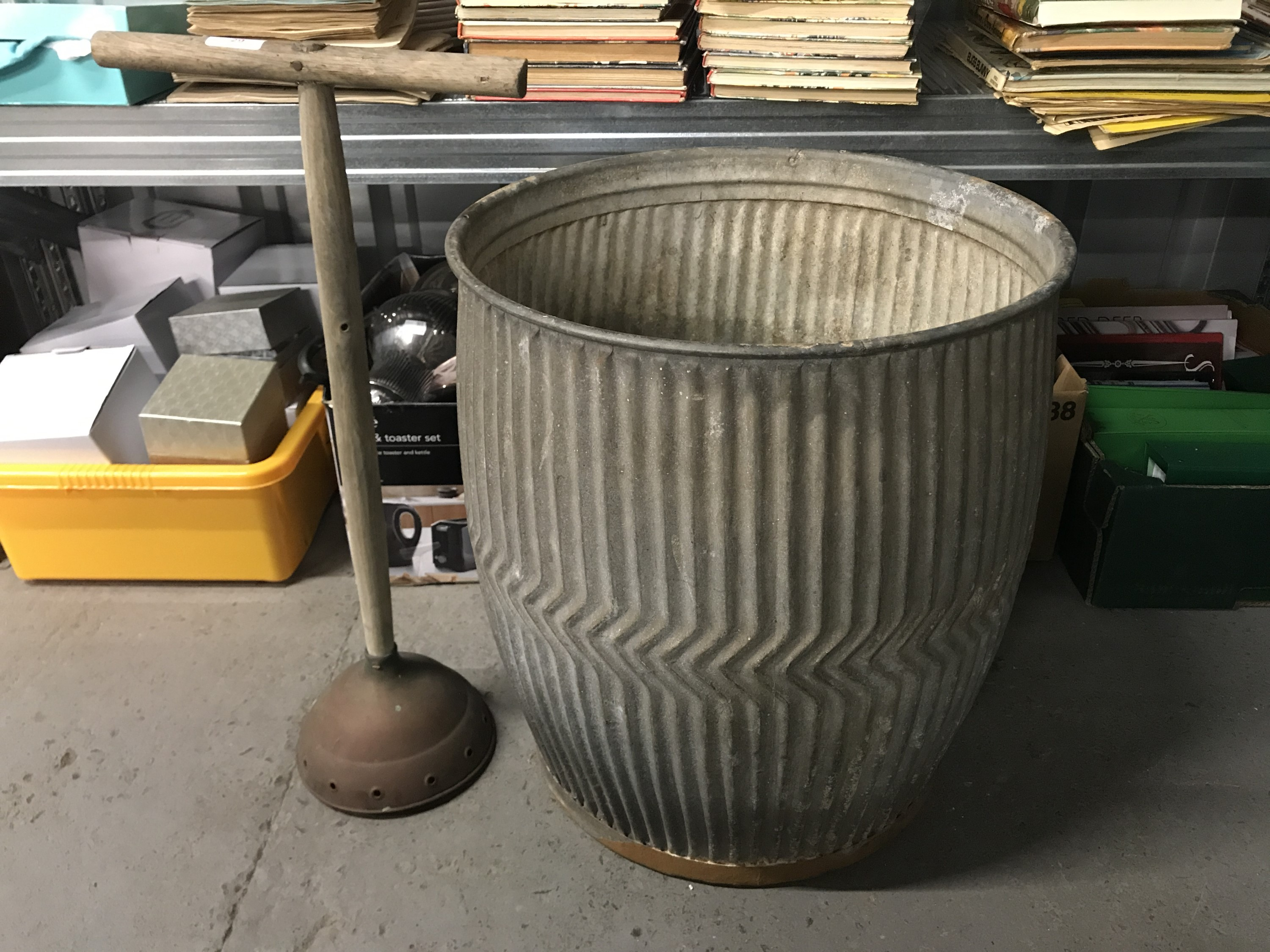 Lot 29 - A vintage Star galvanised dolly tub and poss stick