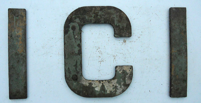 lot 283 ici hopper wagon cast iron letters 19 high x 14