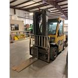 """8,000 LB YALE MODEL GLP080 LP GAS LIFT TRUCK; S/N E813V04752D, 206"""" LIFT HEIGHT, 13,445 HOURS SHOWI"""