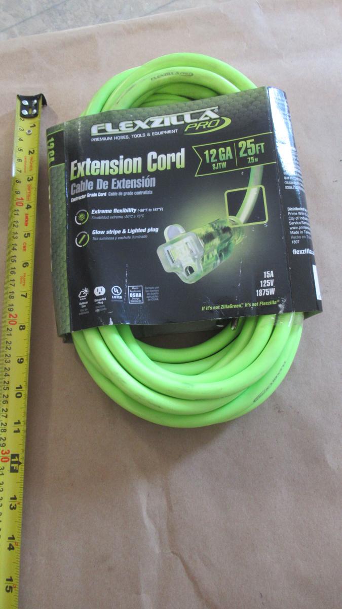 Lot 342 - 25' 12awg EXTENSION CORD FLEXZILLA PRO FZ512825