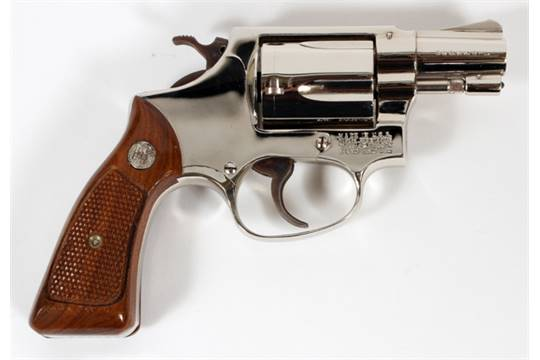 SMITH & WESSON, MODEL 36, SNUB NOSE  38 CAL REVOLVER, L 1 7