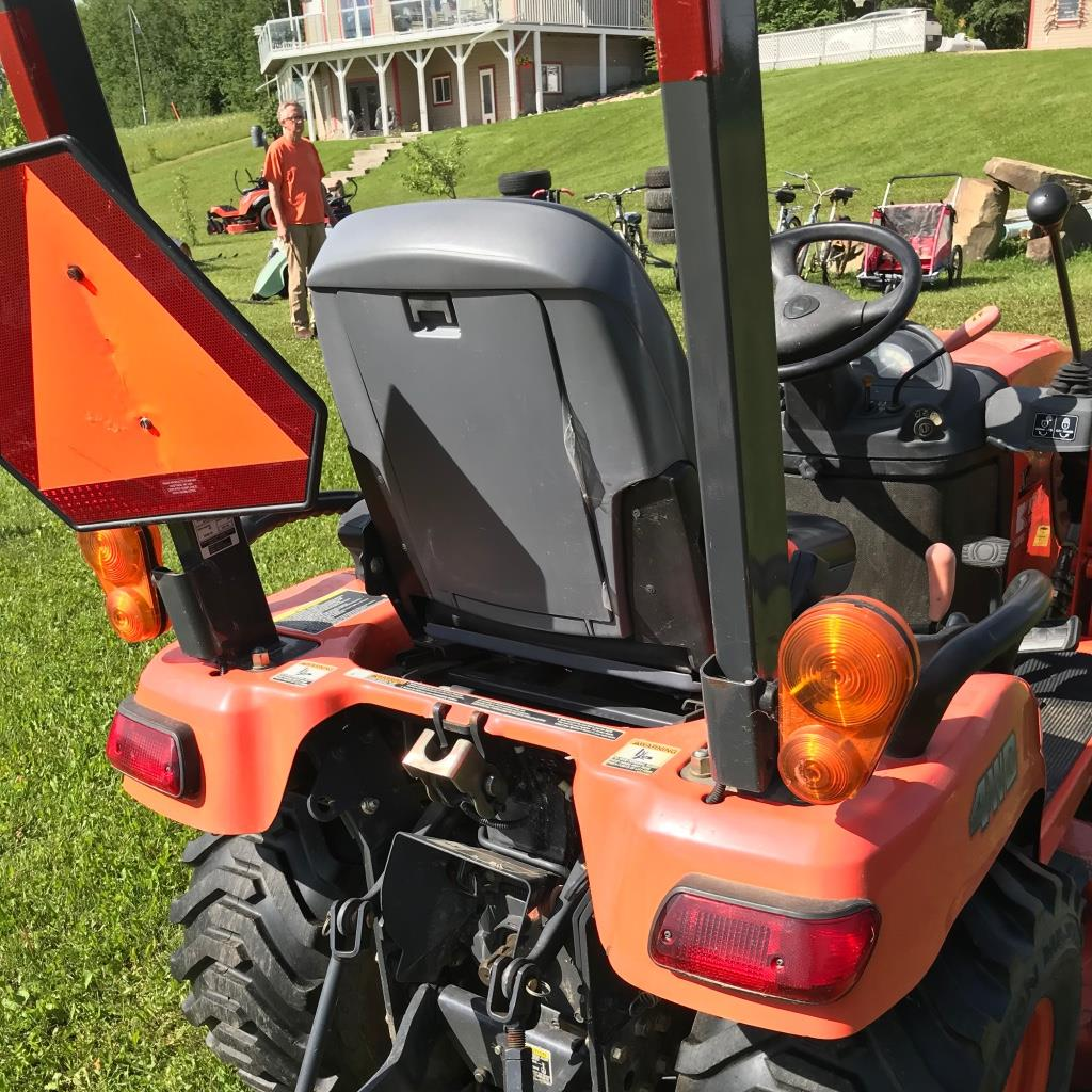 Kubota tractor BX2662, 4wd, Roll bar, LA 243 Loader, sn:51133 NO MOWER - Image 2 of 4