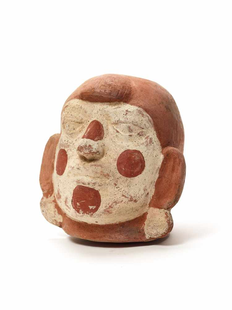 TL-TESTED LARGE HEAD-SHAPED VESSEL – MOCHE CULTURE, PERU, C. 11TH CENTURYFired clay painted in - Image 2 of 5