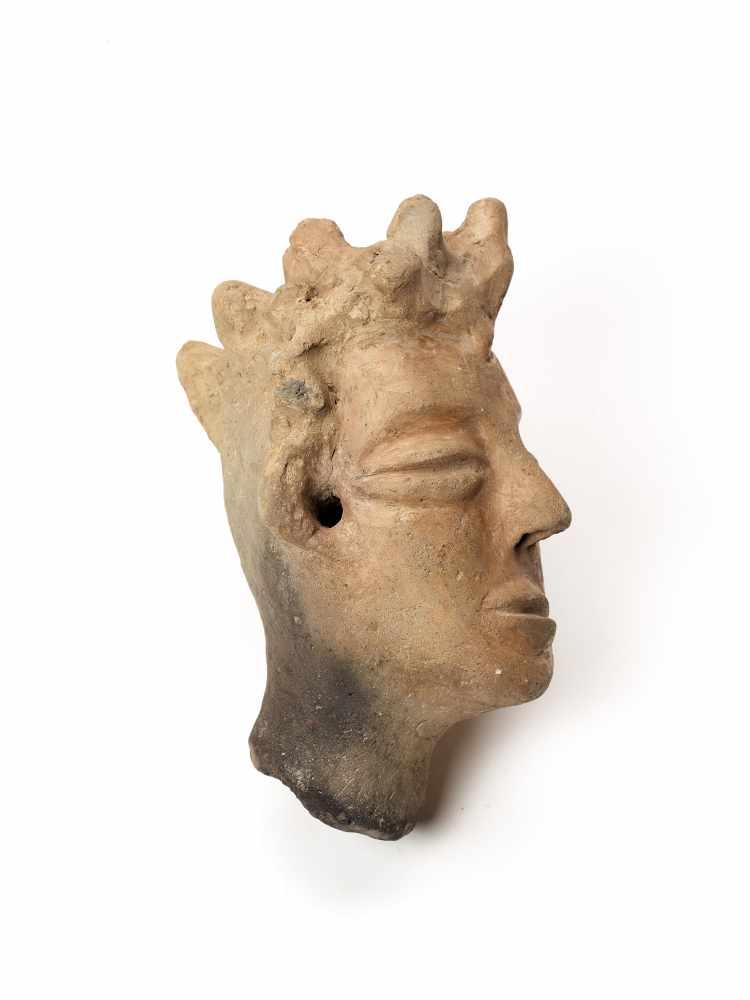 MEMORIAL HEAD – ASHANTI/ AKAN, GHANA, 18th – 19th CENTURYTerracottaAshanti/ Akan, Ghana, 18th – 19th - Image 3 of 5