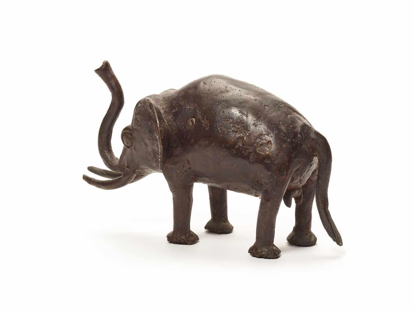 BRONZE ELEPHANT – BOBO PEOPLEBronzeBobo-Dioulasso, Burkina Faso, West Africa; 20th century This - Image 2 of 4
