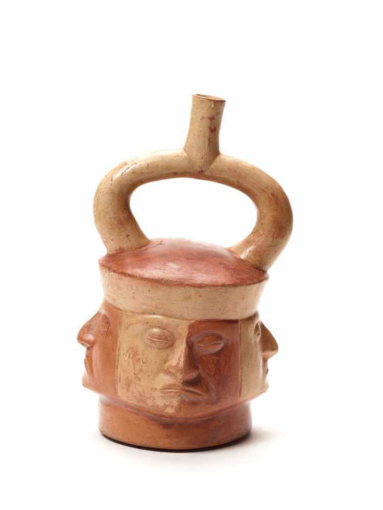 TL-TESTED STIRRUP VESSEL WITH FOUR HEADS – MOCHE CULTURE, PERU, C. 4TH CENTURYPainted fired - Image 3 of 4