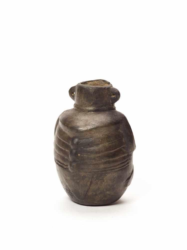 MAN-SHAPED VESSEL - VICÚS CULTURE, PERU, C. 100 BC-600 ADBlack fired clayVicús culture, Peru, c. 100 - Image 5 of 5
