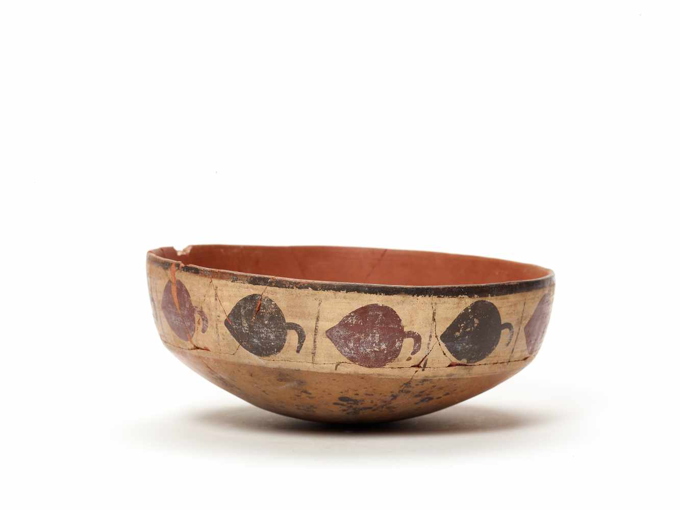 BOWL WITH BAND DECORATION - NAZCA, PERU, C. 300-600 ADPainted clayNazca, Peru, c. 300-600 ADArched - Image 3 of 5