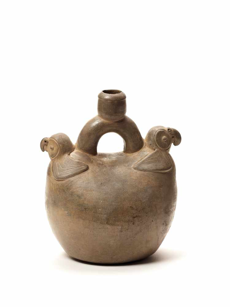 TL-TESTED TWO PARROTS STIRRUP VESSEL - CHAVIN CULTURE, PERU, C. 5TH CENTURY BCGrayish fired - Image 2 of 4