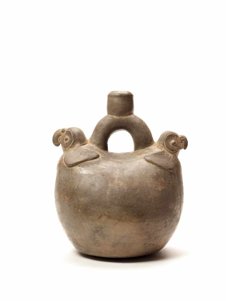 TL-TESTED TWO PARROTS STIRRUP VESSEL - CHAVIN CULTURE, PERU, C. 5TH CENTURY BCGrayish fired
