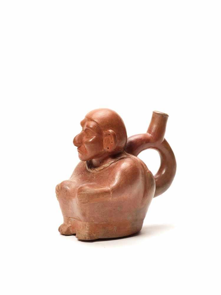 TL-TESTED OLD MAN STIRRUP – MOCHE CULTURE, PERU, C. 5TH CENTURYRed fired clayMoche culture, Peru, c. - Image 3 of 4