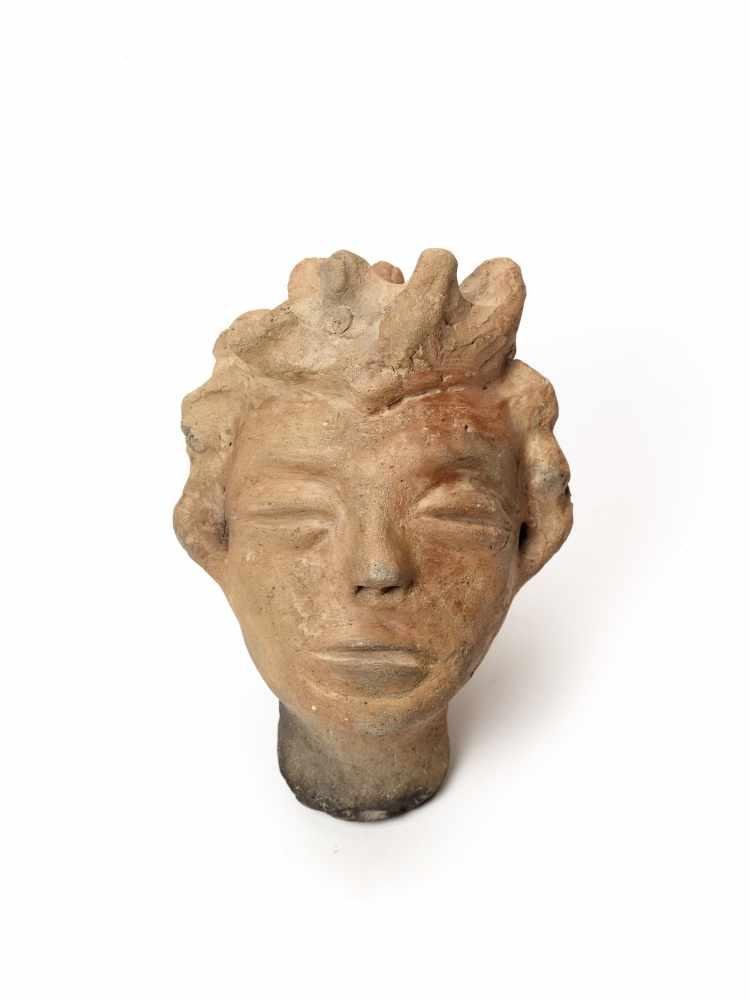 MEMORIAL HEAD – ASHANTI/ AKAN, GHANA, 18th – 19th CENTURYTerracottaAshanti/ Akan, Ghana, 18th – 19th - Image 2 of 5