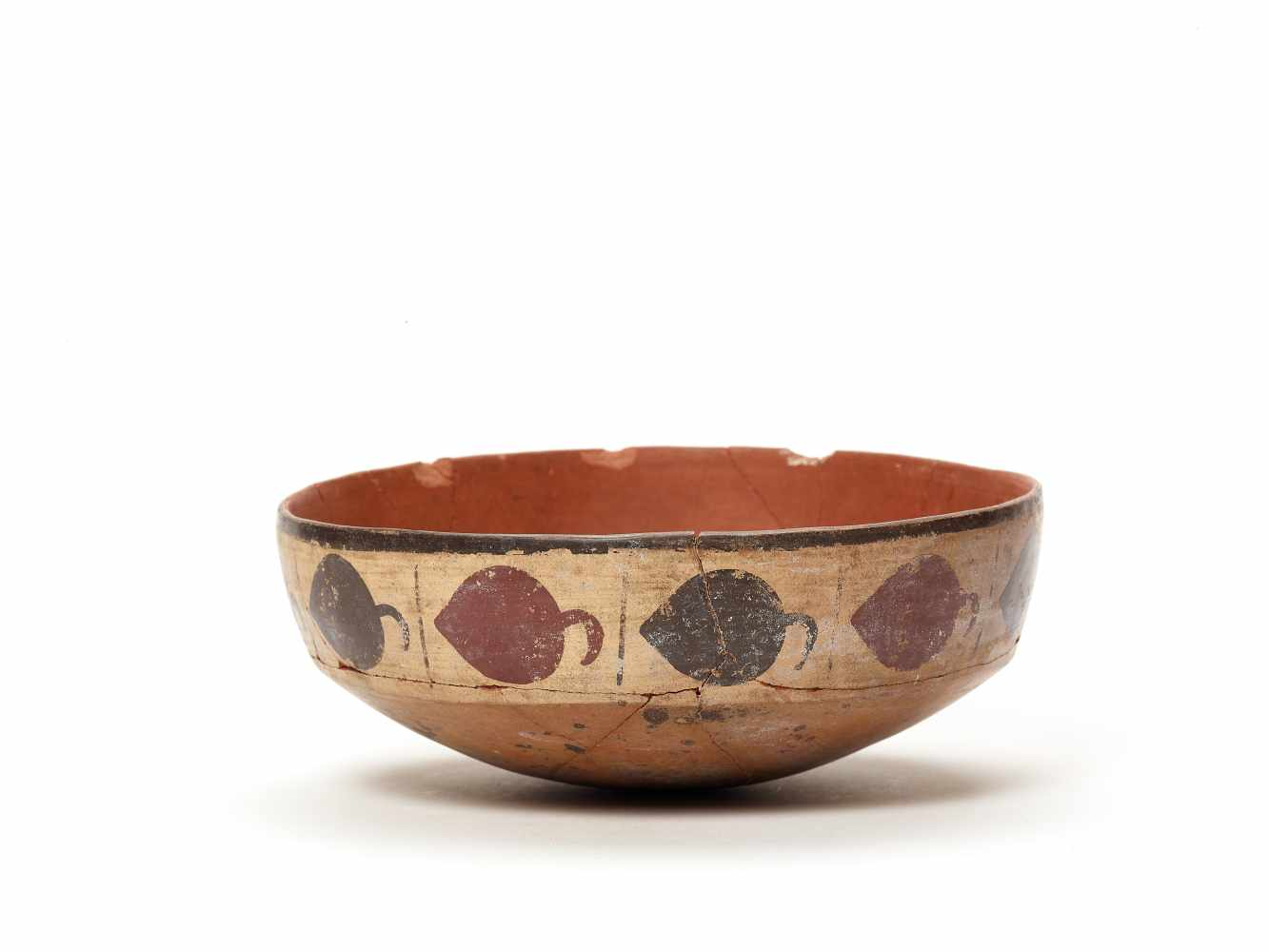 BOWL WITH BAND DECORATION - NAZCA, PERU, C. 300-600 ADPainted clayNazca, Peru, c. 300-600 ADArched - Image 4 of 5