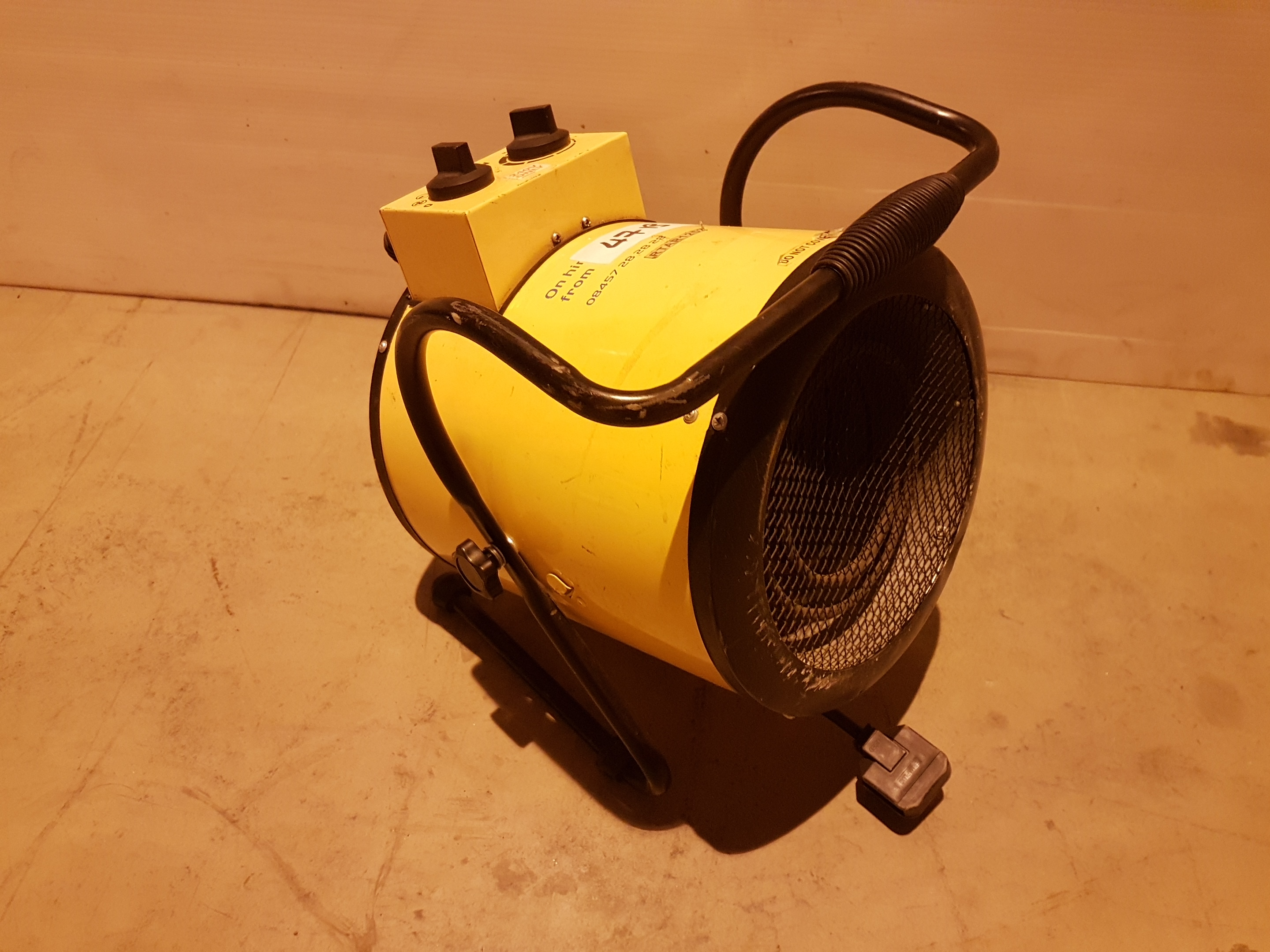 Lot 47 - 240v Retail Heater rtar1252, working