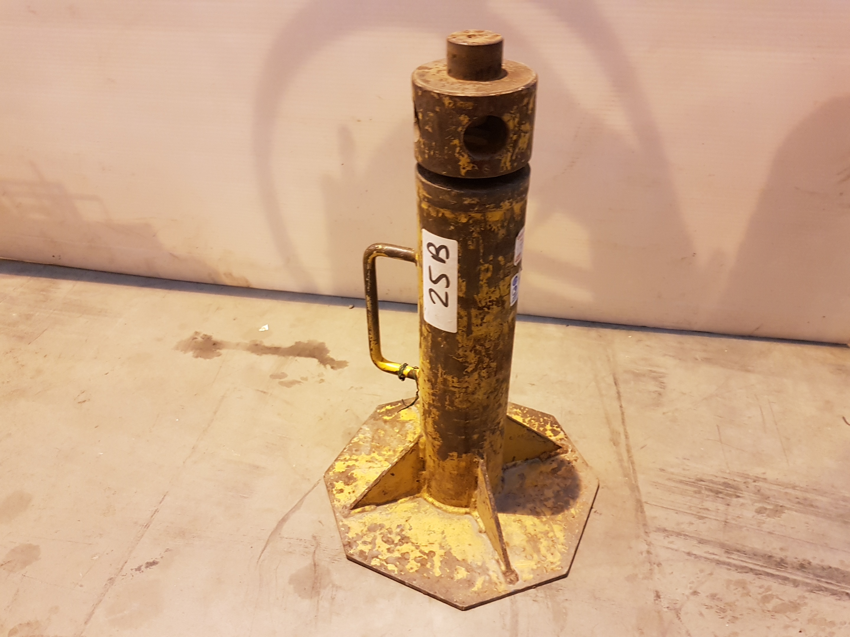 Lot 25 - pipe stand 69691, working
