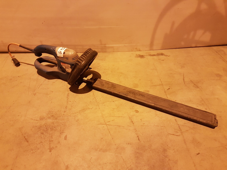 Lot 54 - Makita UH5540 550mm Hedge Trimmer 240v MAKD1414, working