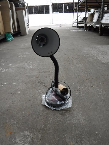 Lot 4294 - DESK LAMPS IN BLACK x6