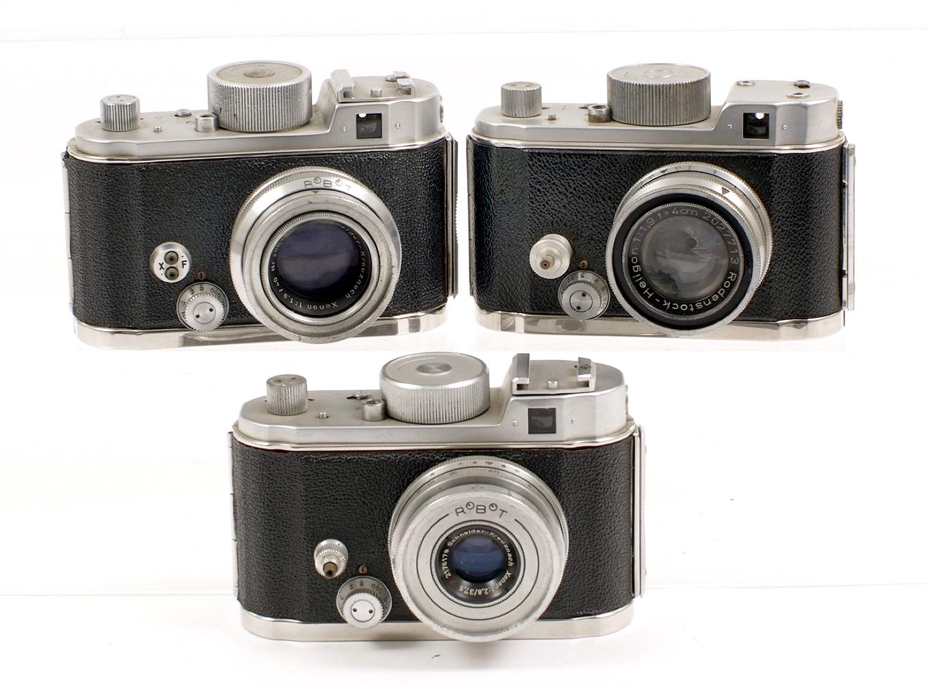 Lot 22 - Two Robot II & a Robot IIA Clockwork Cameras. #B93861 (working) with Xenar 37.5mm f2.