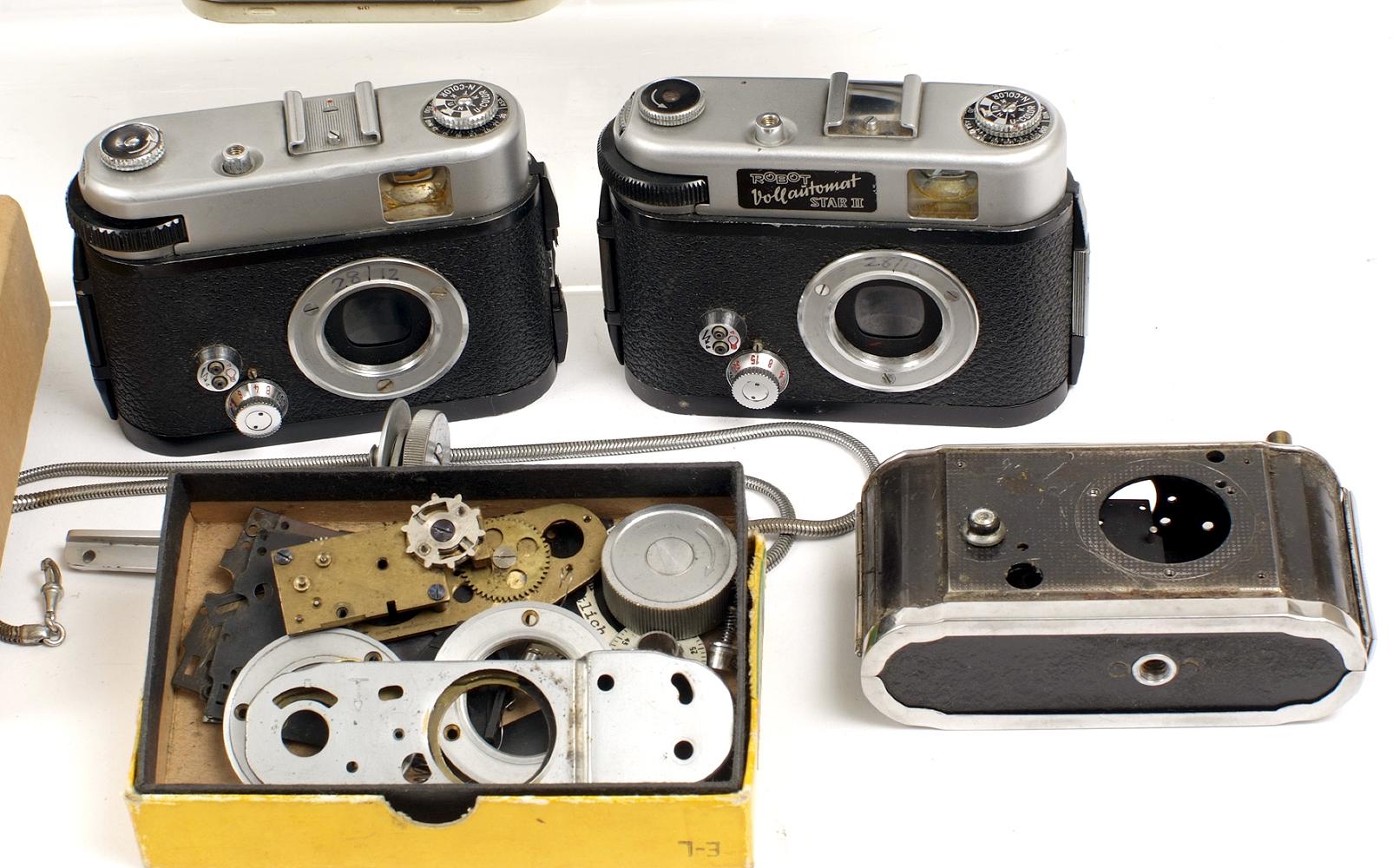 Lot 25 - Three Robot Vollautomat Star II Cameras & Parts.
