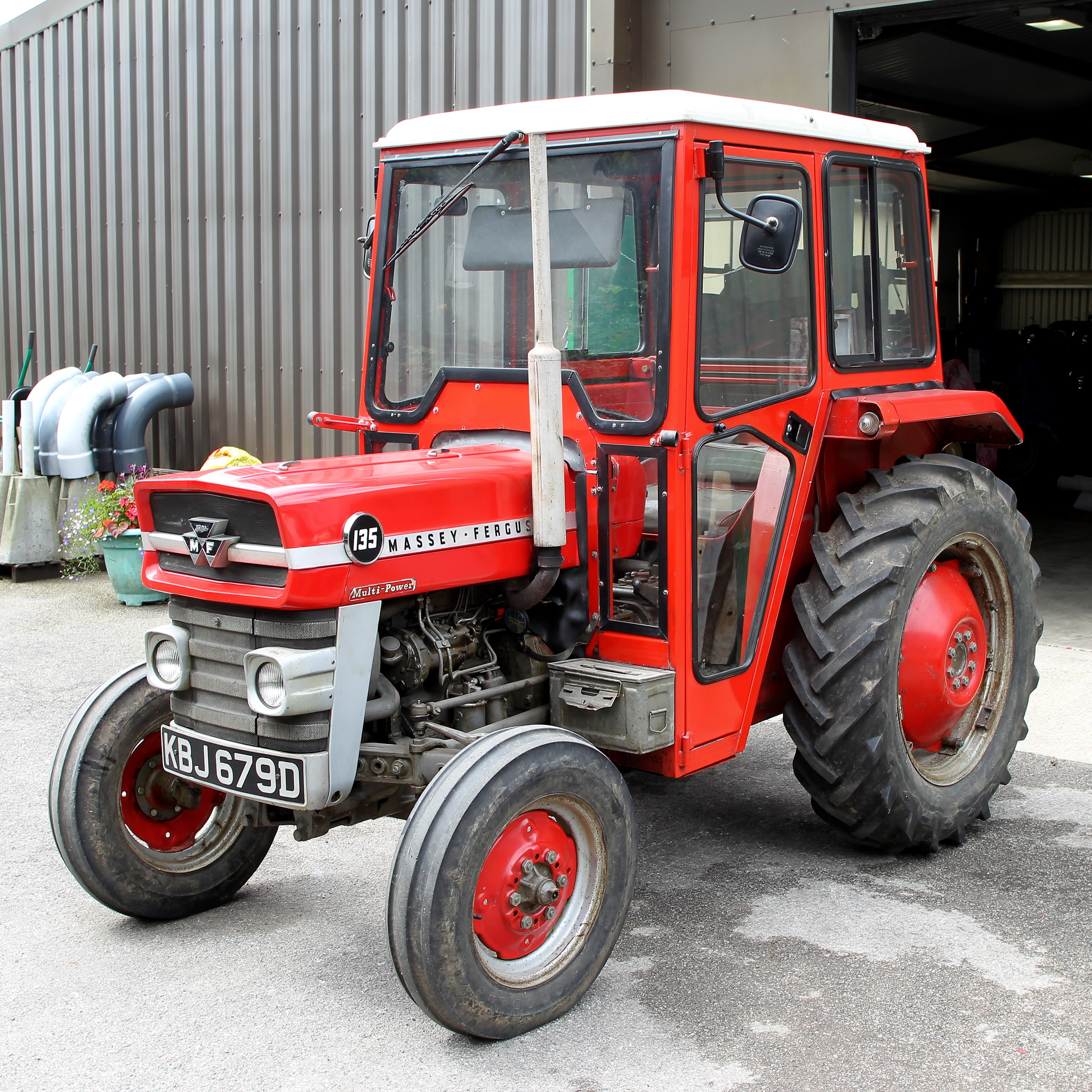 Lot 920 - 1966 MASSEY FERGUSON 135 Multi-Power 3cylinder diesel TRACTOR Reg.