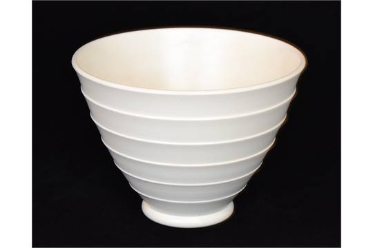 Keith Murray Wedgwood A 1930s Art Deco Vase Of Flared Conical