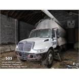 2004 International DT530 feed truck