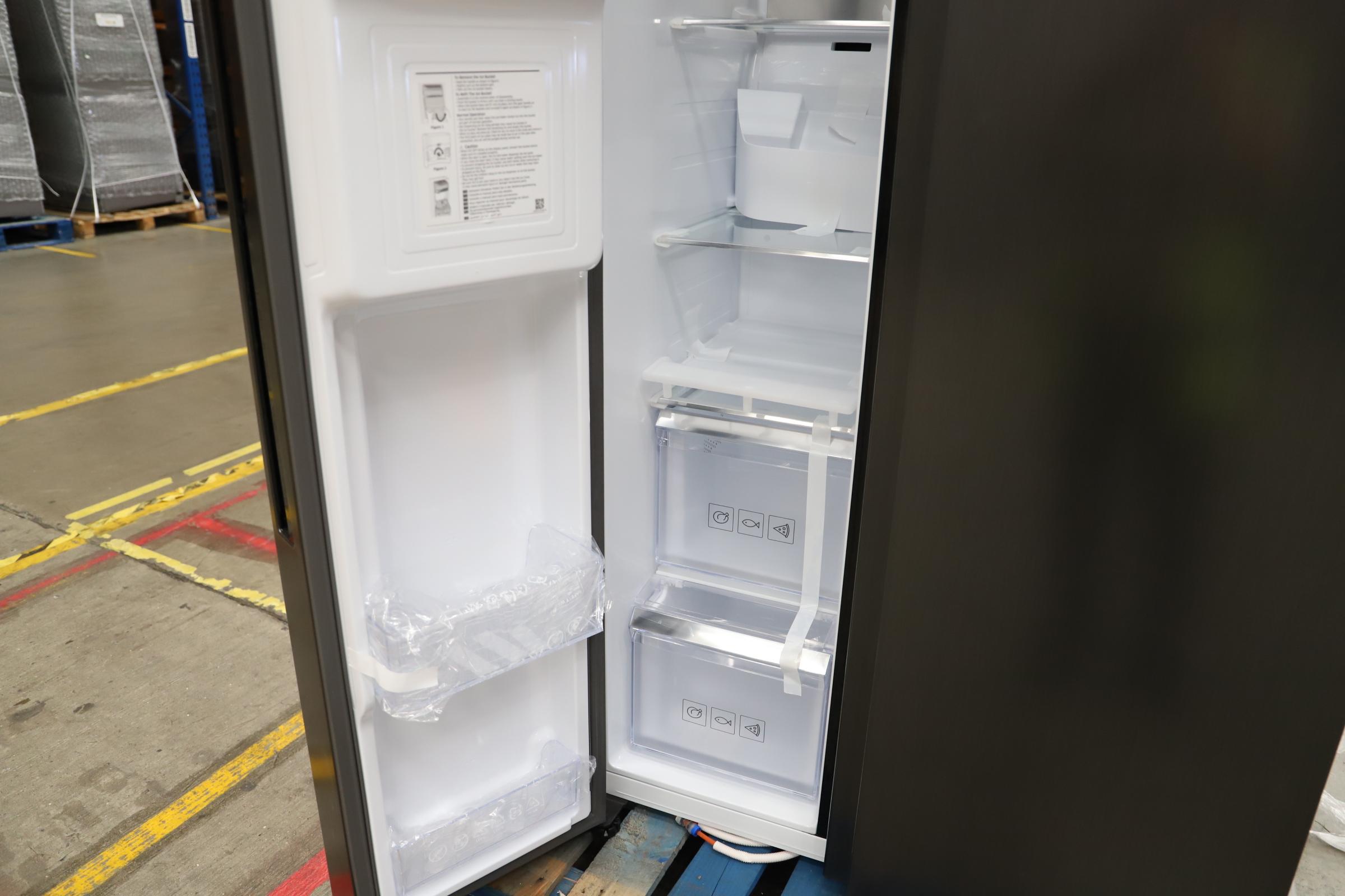 Pallet of 1 Samsung Water & Ice Fridge freezer. Latest selling price £1,799.99 - Image 6 of 10