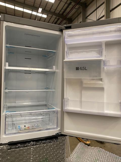 Pallet of 2 Samsung 60CM Fridge Freezers. Total Latest selling price £898* - Image 7 of 9