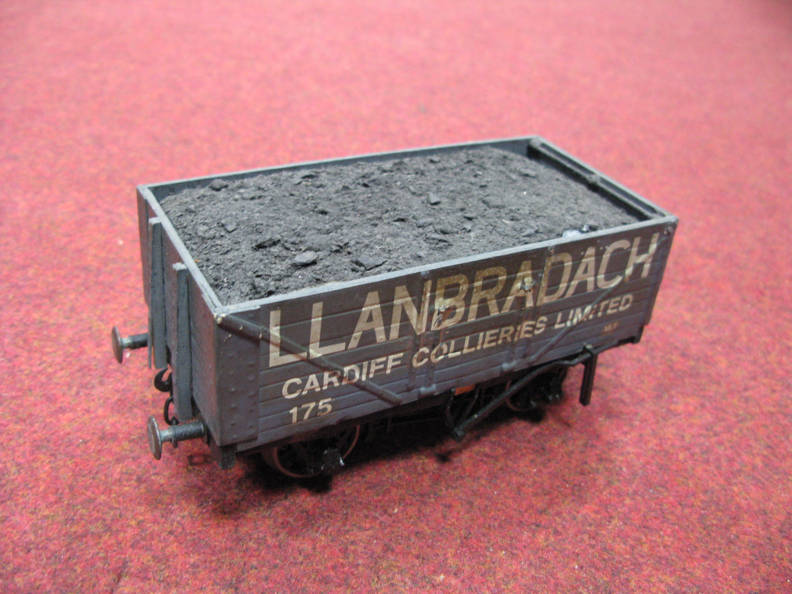 "Lot 54 - Eight Gauge 1/""G"" Scale Rolling Stock Wagons and Vans, predominantly G.W, grey livery, playworn."