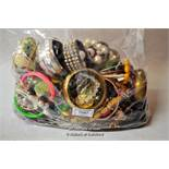 A quantity of costume jewellery in sealed bag