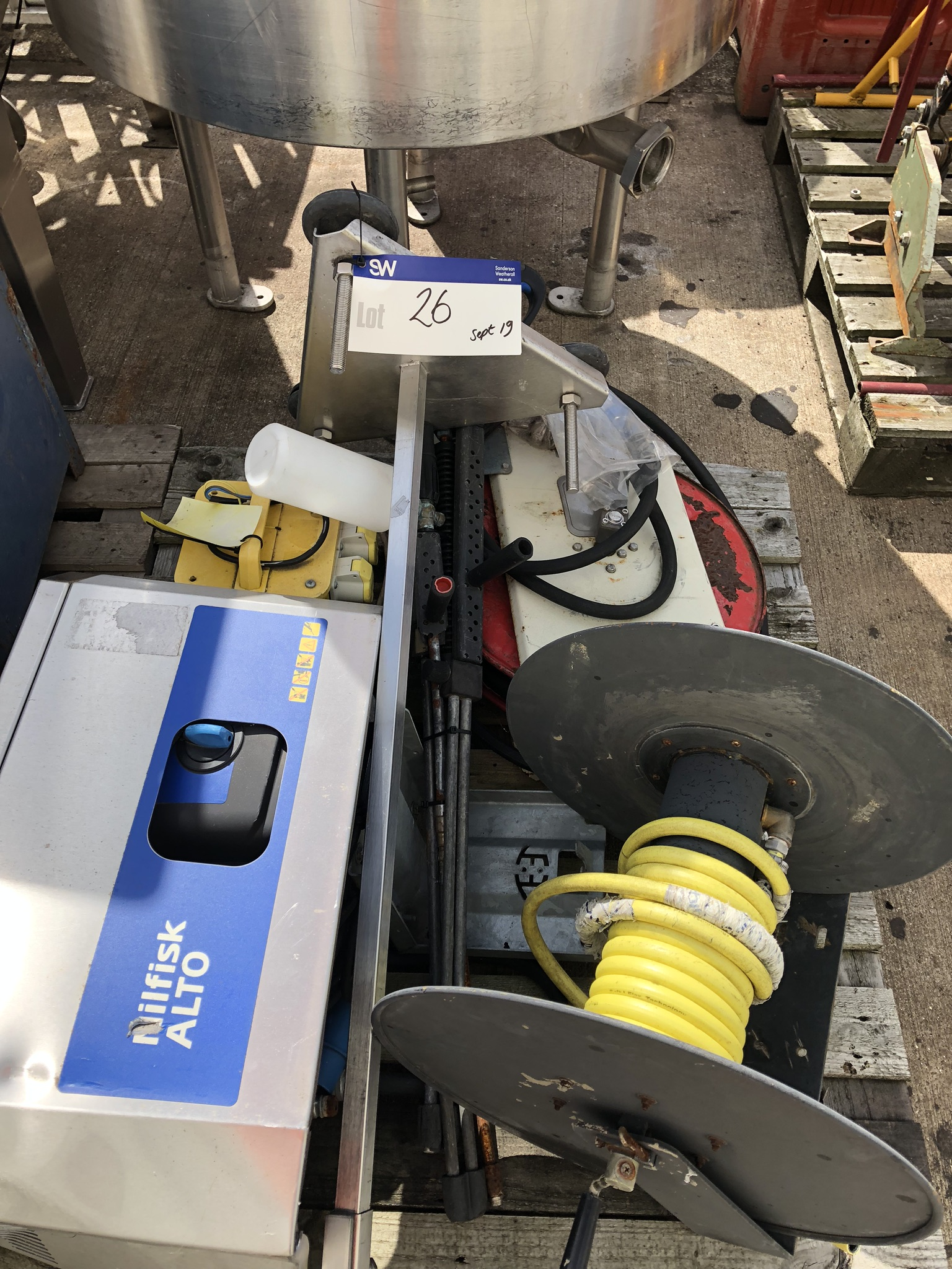 Nilfisk Alto Wall Mounted Pressure Washer, transformer, lift out charge - £10 - Image 2 of 2