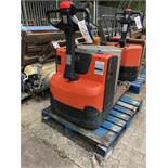 BT LWE200 2000KG ELECTRIC PALLET TRUCK, serial no 7449191, year of manufacture 2016, lift out charge
