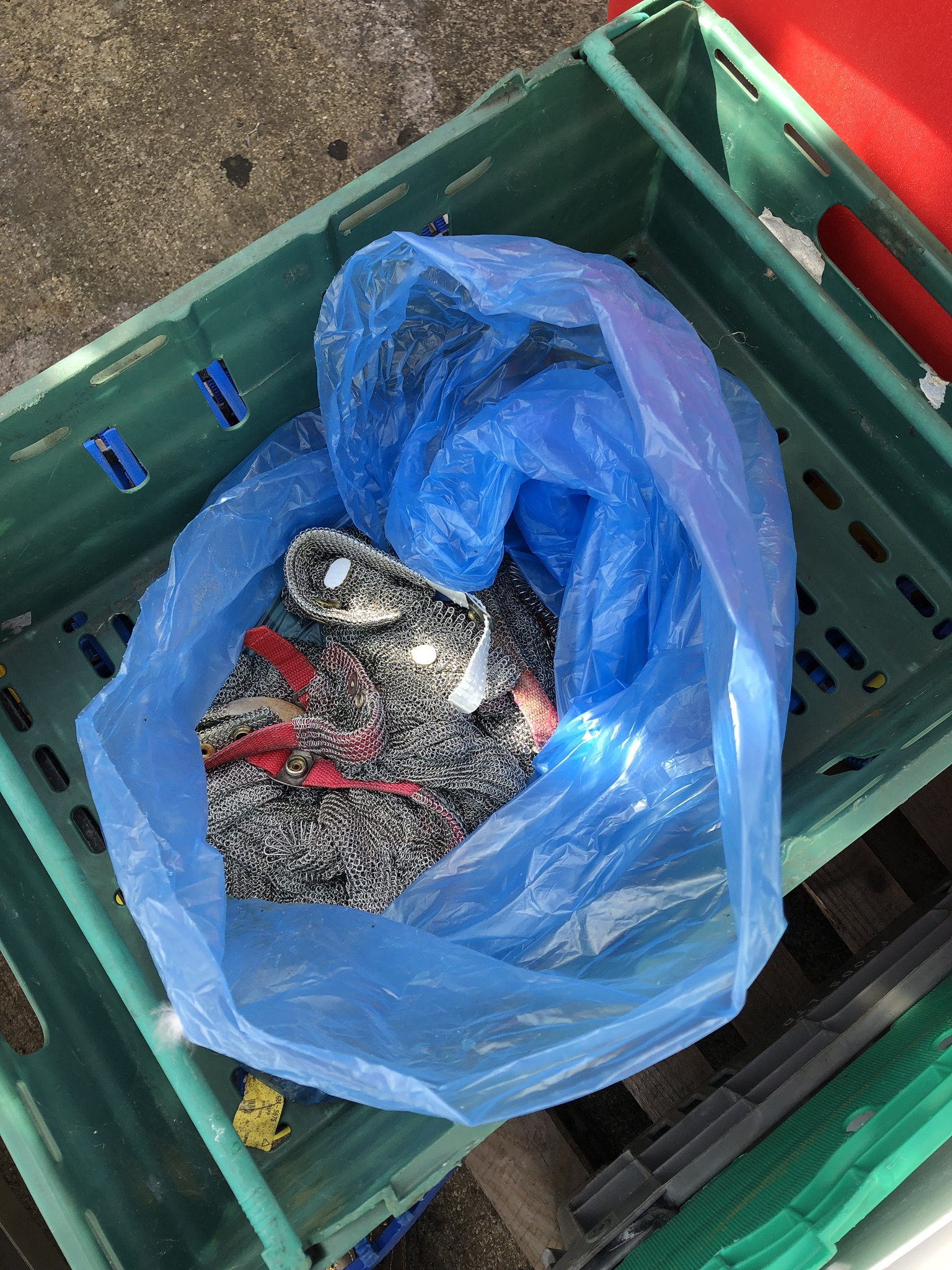 Quantity of Trays (containing plastic knife holders, matting and chainmail glove), lift out charge - - Image 2 of 3