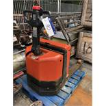 BT LWE180 1800kg Electric Pallet Truck, serial no. 987702, year of manufacture 2007, lift out charge