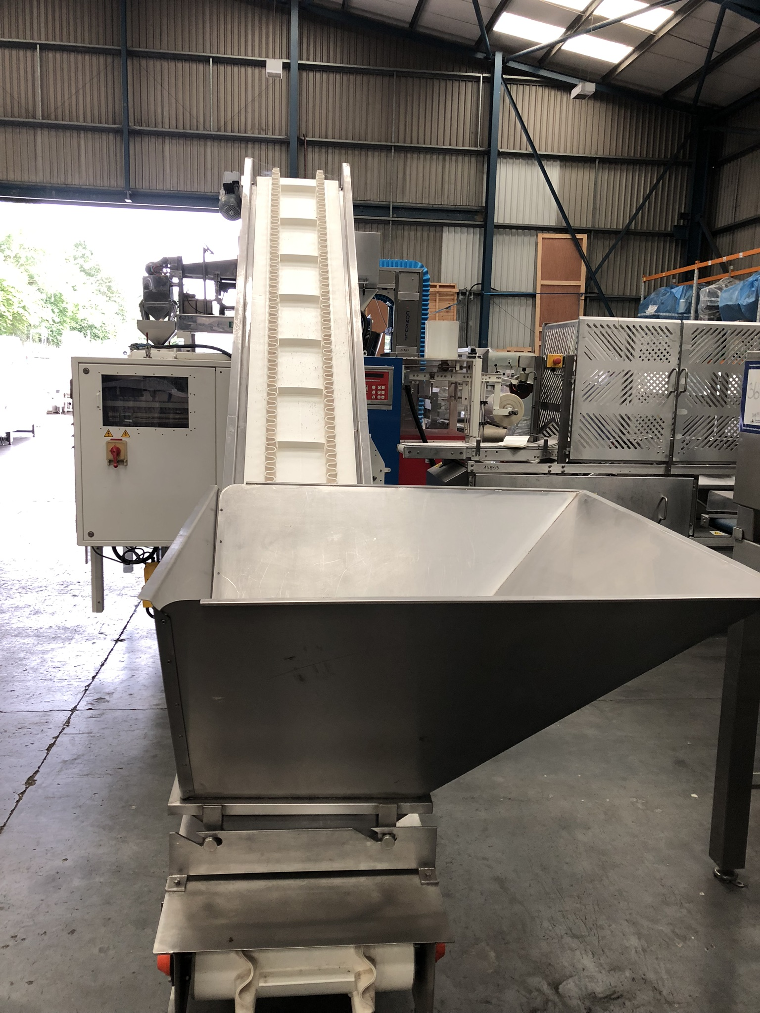 Hayssen Ultima 40E FORM, FILL AND SEAL BAGGING LINE, with four filling tubes, 50mm, 90mm, 130mm, and - Image 13 of 16