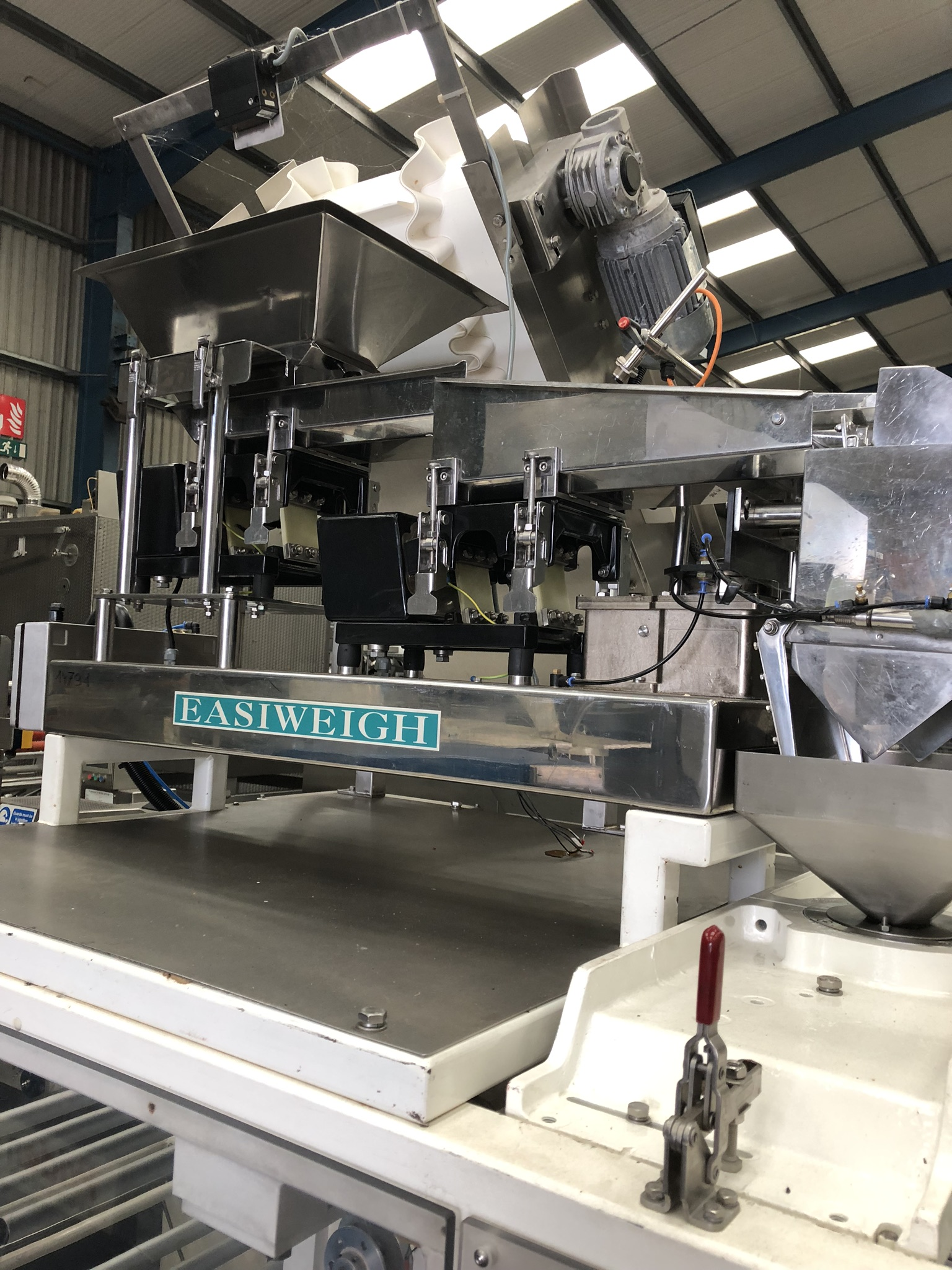 Hayssen Ultima 40E FORM, FILL AND SEAL BAGGING LINE, with four filling tubes, 50mm, 90mm, 130mm, and - Image 4 of 16