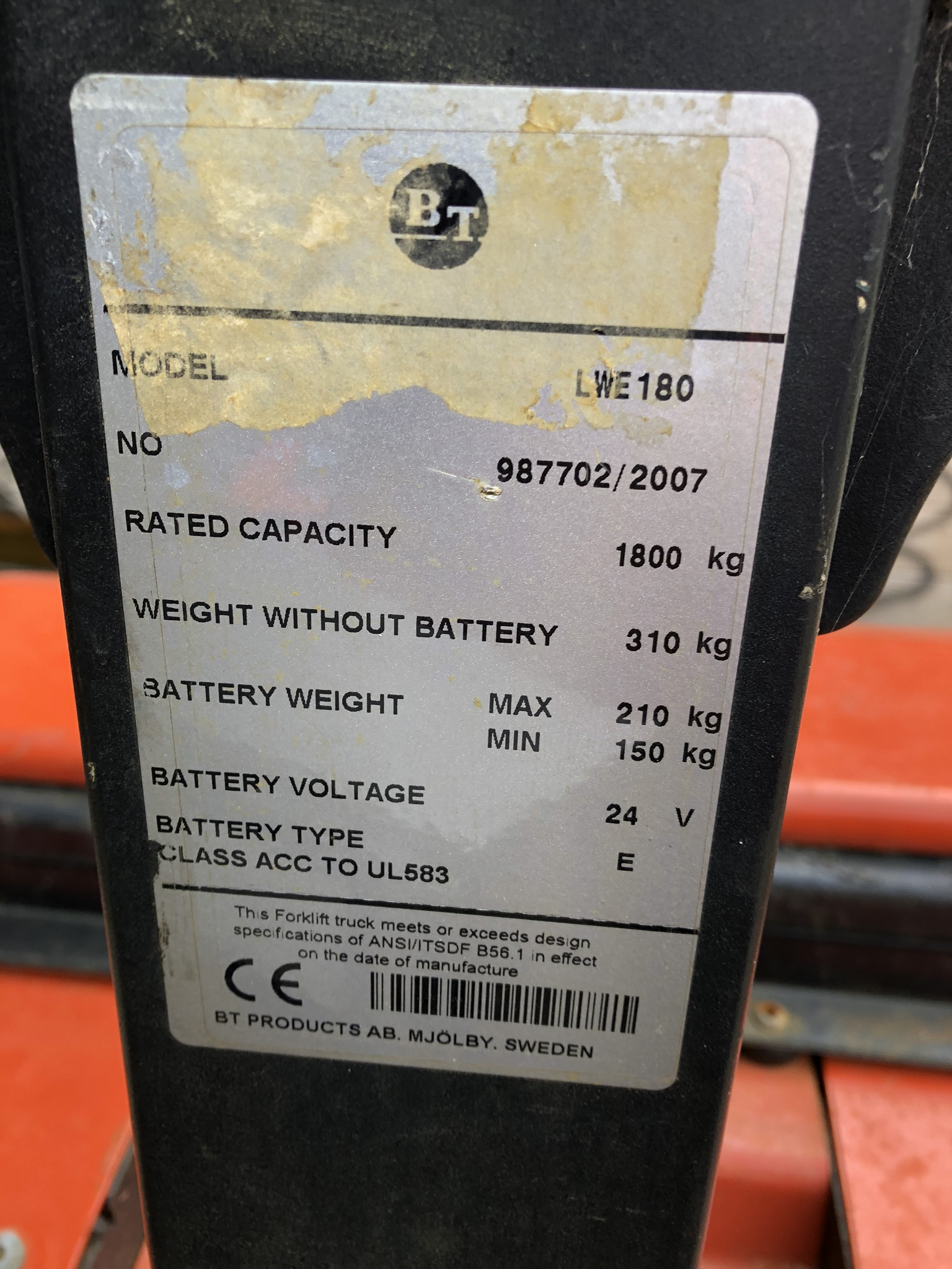 BT LWE180 1800kg Electric Pallet Truck, serial no. 987702, year of manufacture 2007, lift out charge - Image 3 of 3