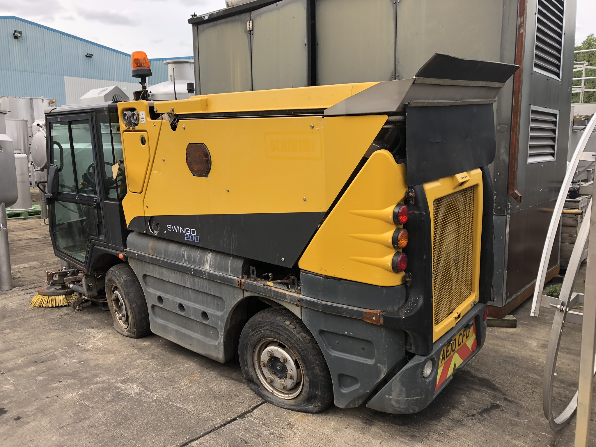 Schmidt Swingo 200 Road Sweeper, registration no. AE10 CFO (understood to require attention - non- - Image 2 of 3