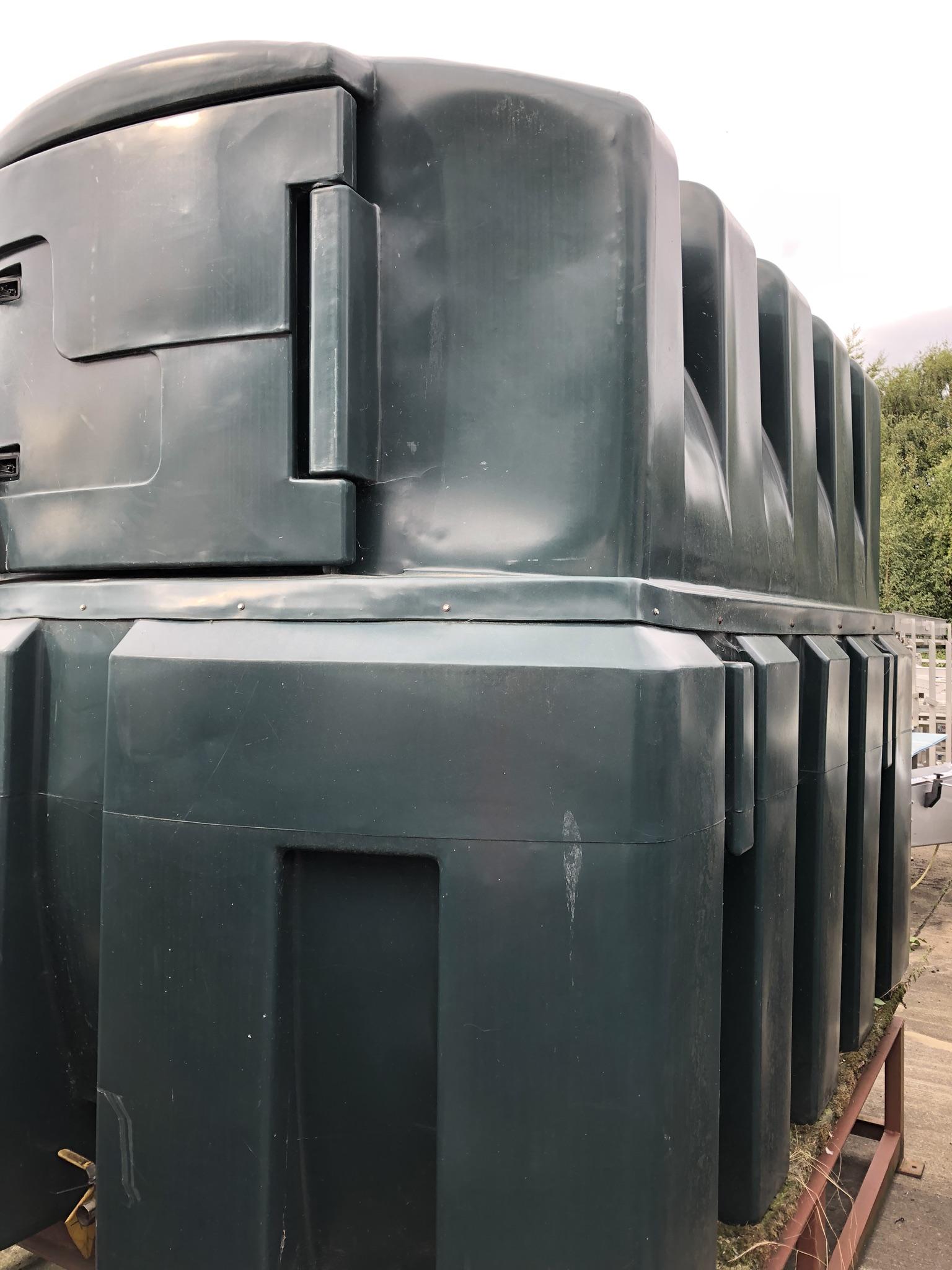 Titan ES500B 5000L Diesel Tank, lift out charge - £100