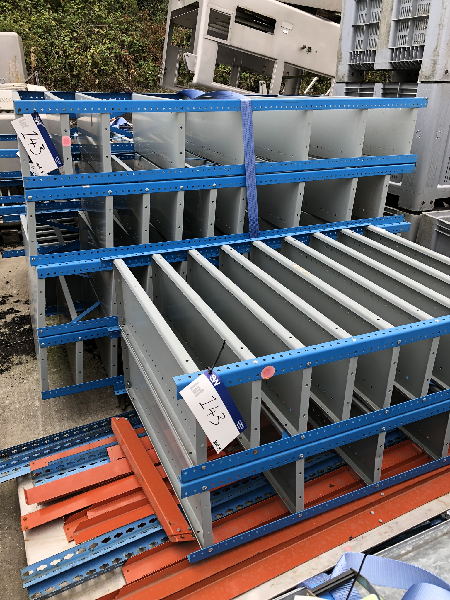 Lotto 143 - Nine Parts Shelves & Pallet Racking, approx. 2m x 1m x 0.3m, lift out charge - £20