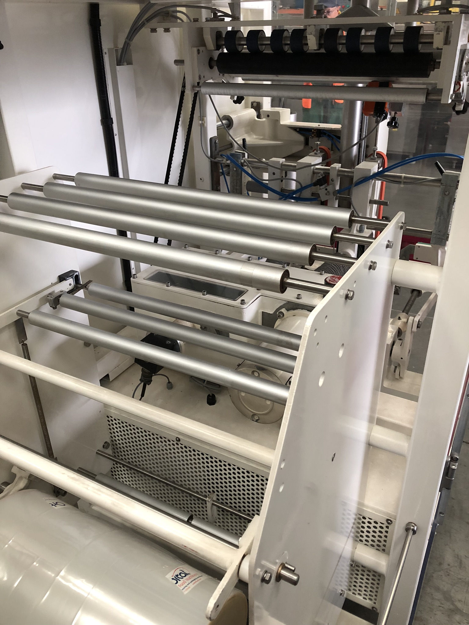 Hayssen Ultima 40E FORM, FILL AND SEAL BAGGING LINE, with four filling tubes, 50mm, 90mm, 130mm, and - Image 5 of 16