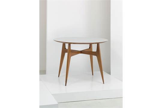 A TABLE BY G. PONTI Tavolo da pranzo, I.S.A. anni \'50. Legno ...
