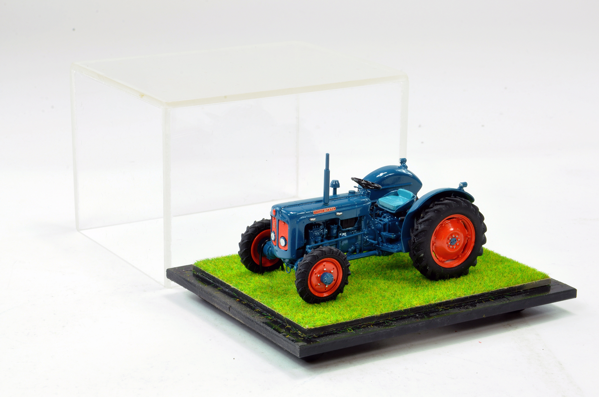 Lot 243 - Scaledown Models 1/32 Hand Built Roadless Fordson Dexta Tractor. Superb model is generally
