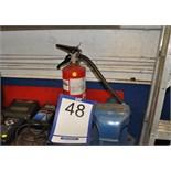 Fire extinguisher/Extincteur