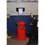 Oil drain tank/Récupérateur d'huile de vidange