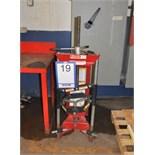 Strut spring compressor/Presse à ressort BRANICH, mod. 7200