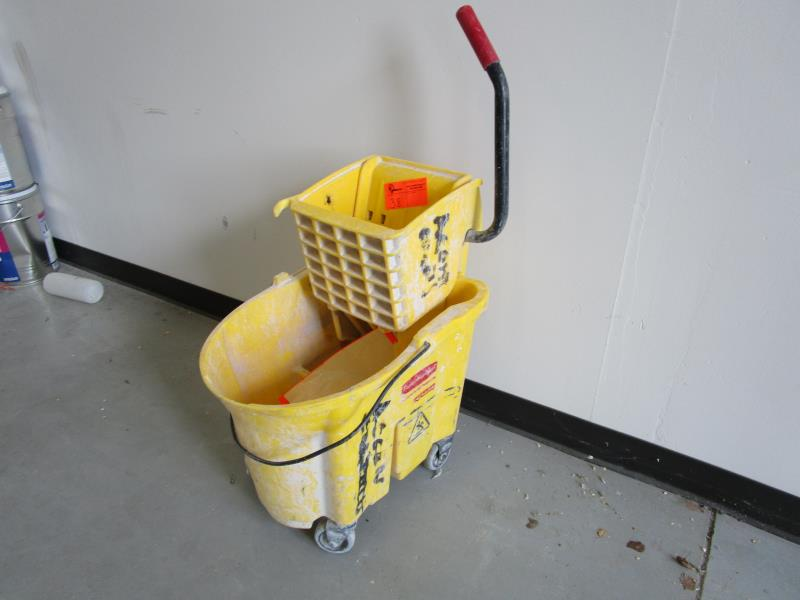 Lot 38 - Rubbermaid Mop Bucket