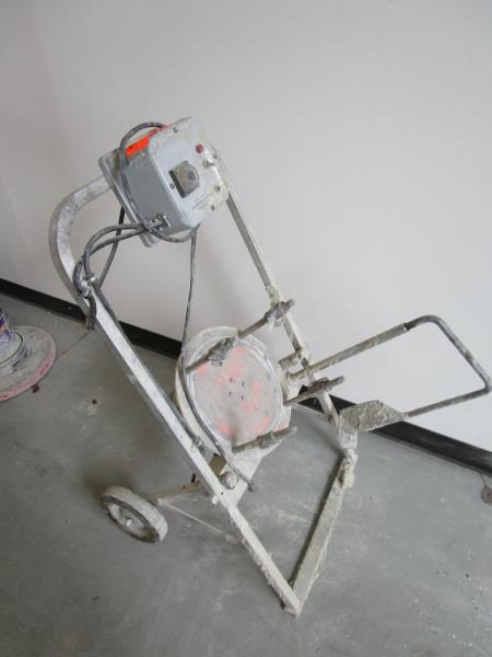 Lot 10 - Bucker / Pail Mixer