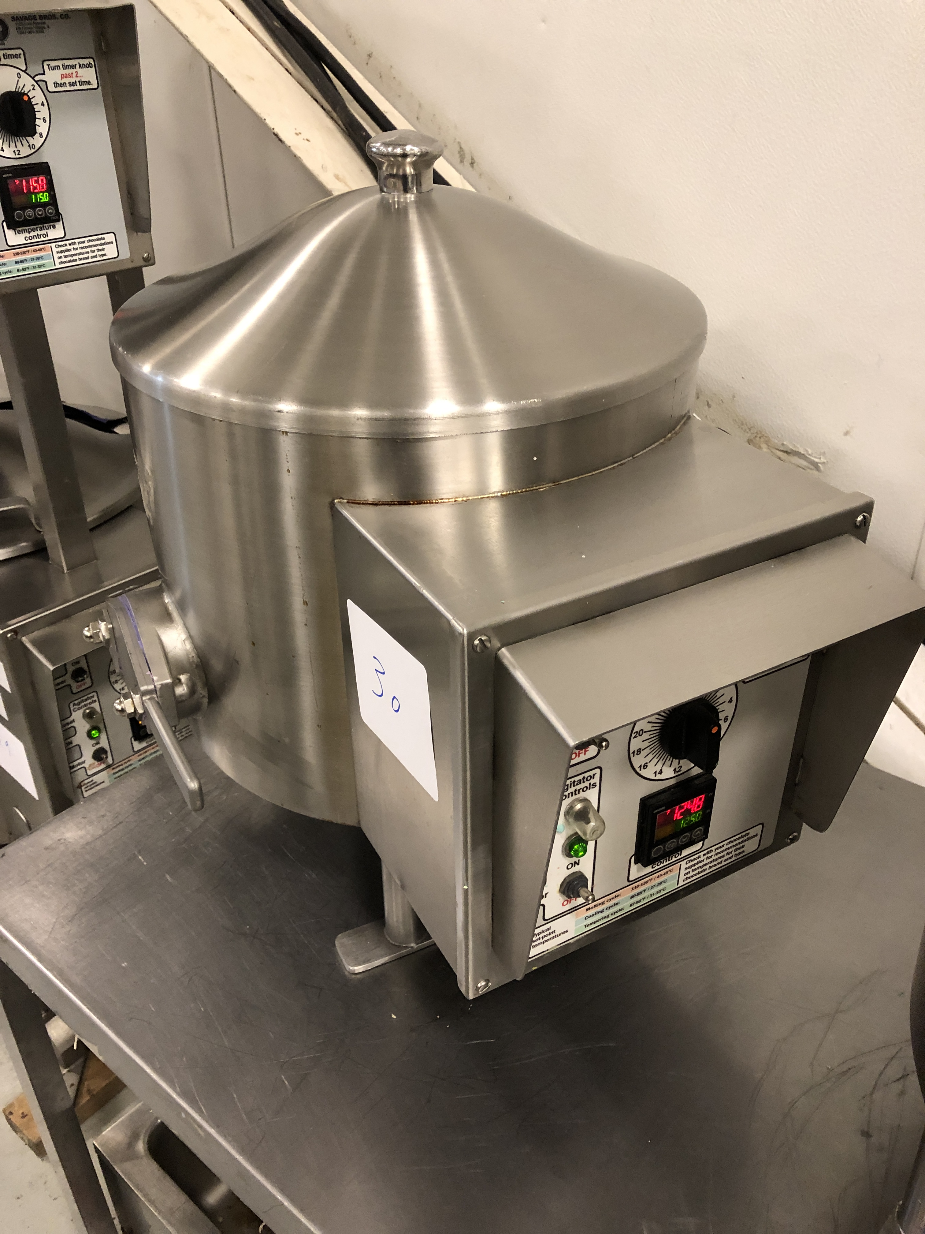 Lot 26 - Savage 50-lb Stainless Steel Chocolate Melter, model 0934-40, jacketed and agitated, electrically