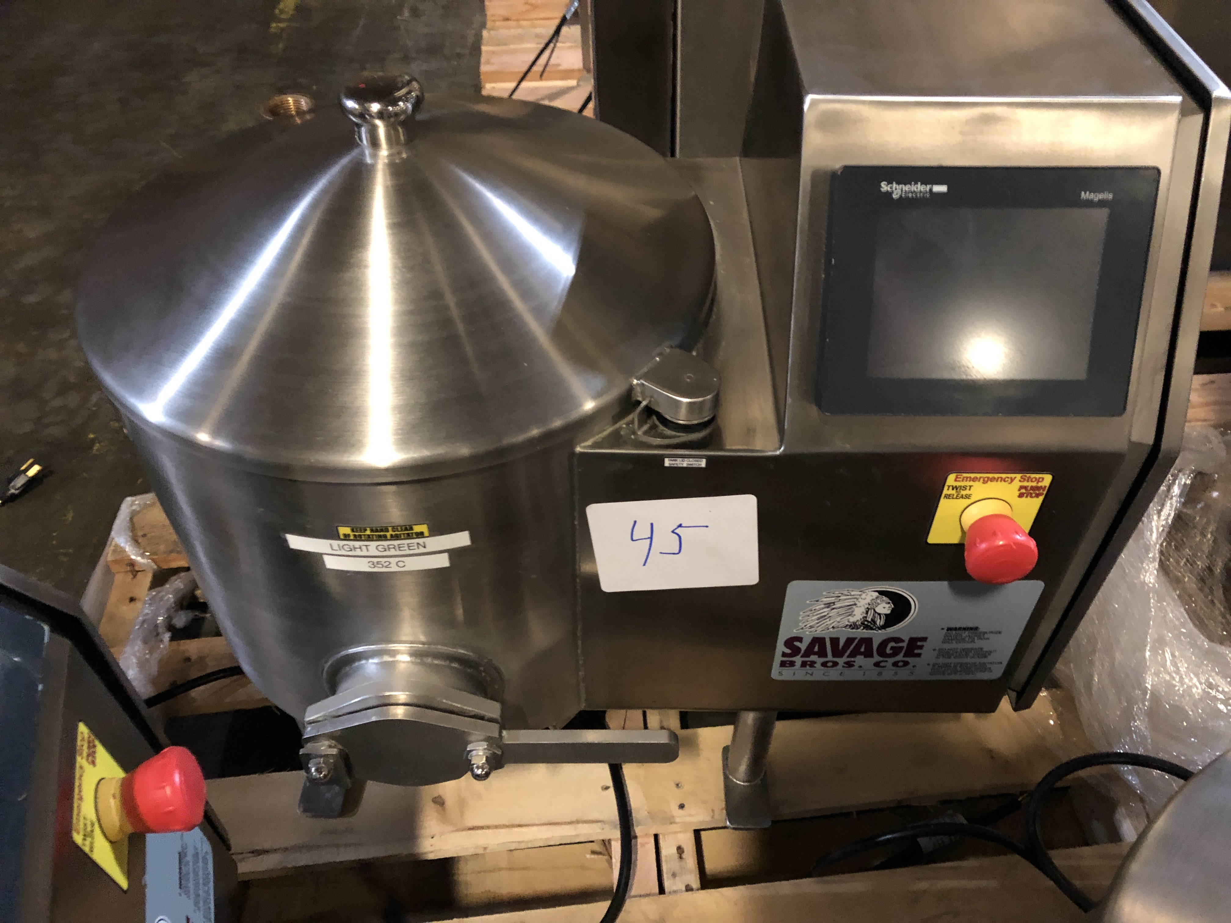 Lot 33 - Savage 50-lb Stainless Steel Chocolate Melter, model 0934-40, jacketed and agitated, electrically